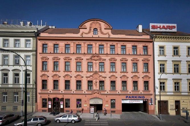 """Polyfunkční dům """"U Hájků II"""" - rekonstrukce objektu č.p. 1412"""