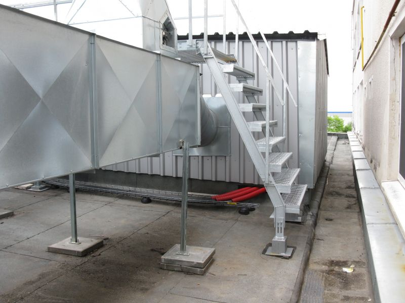 Přístavba strojovny kompresorů ke stávající hale