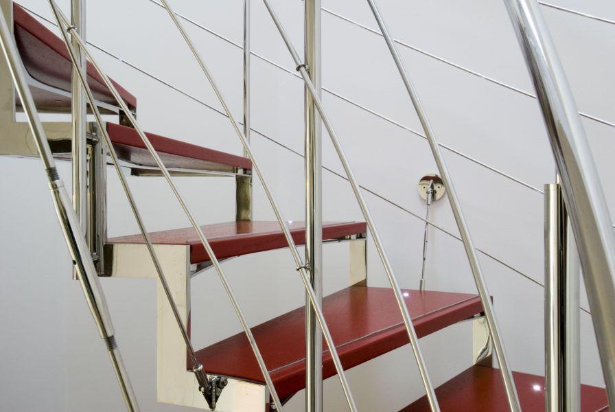 Točiné schodiště ve vile Břevnov