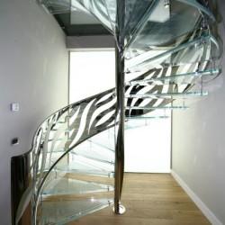 Točité schodiště v zahradním domku